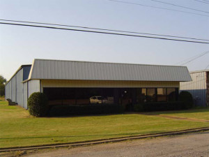LIGHT-INDUSTRIAL/MANUFACTURING WAREHOUSE. $425000,POSSIBLE OWNER-FINANCING